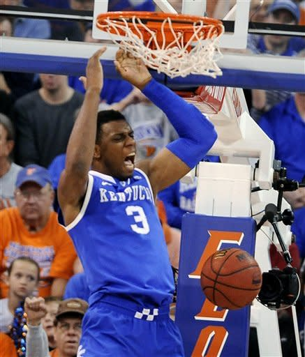 No. 1 Kentucky beats No. 16 Florida 74-59