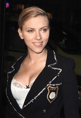 Scarlett Johansson at the Hollywood premiere of Universal Pictures' In Good Company