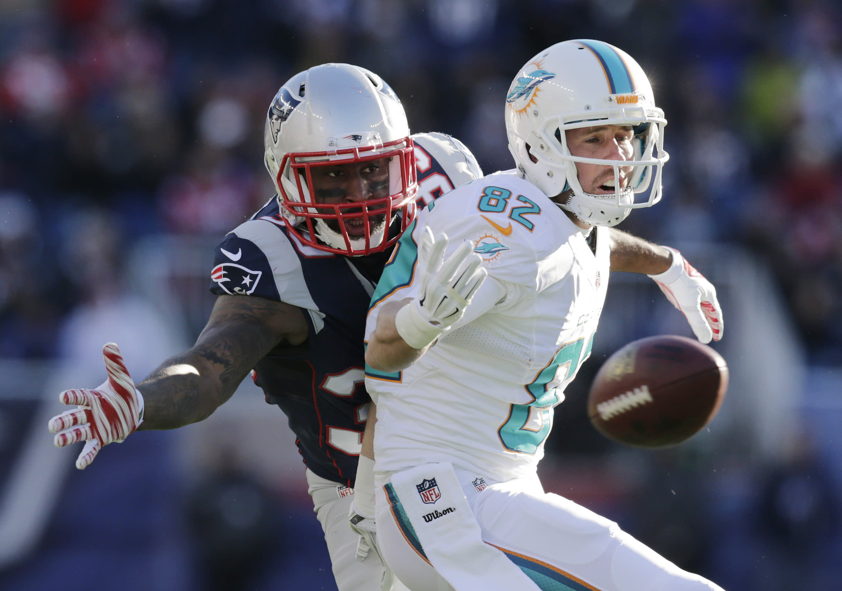 Receivers Hartline and Gibson released by Dolphins