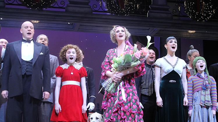 "Jane Lynch Joins The Cast Of Broadway's ""Annie"" - Curtain Call"