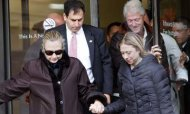 Clinton &#39;Active&#39; During Blood Clot Recovery