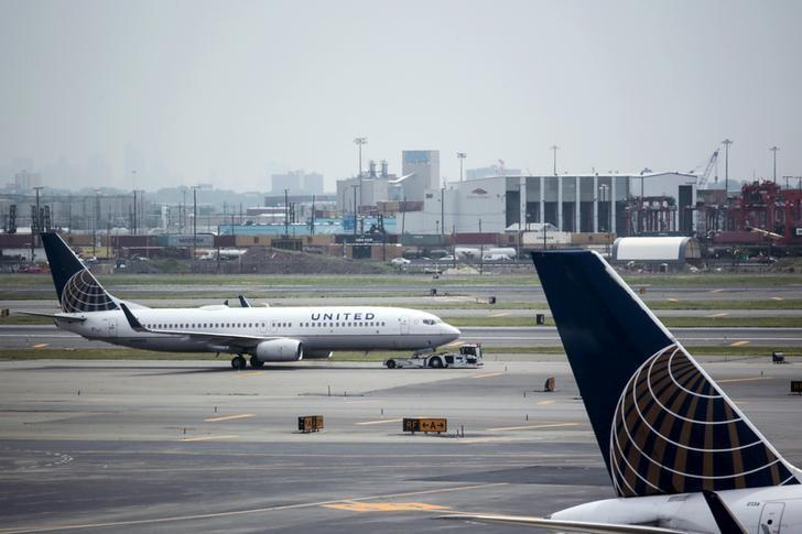 United Airlines to revamp scheduling to fight flight delays