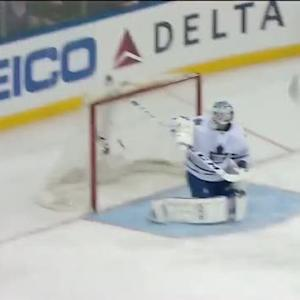 Dominic Moore rips shorty on the breakaway