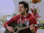 NAUTANKI SAALA: Is Ayushmann mimicking SRK in 'Mera Mann' song?