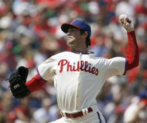 Hamels, Wigginton rally Phils past the Mets