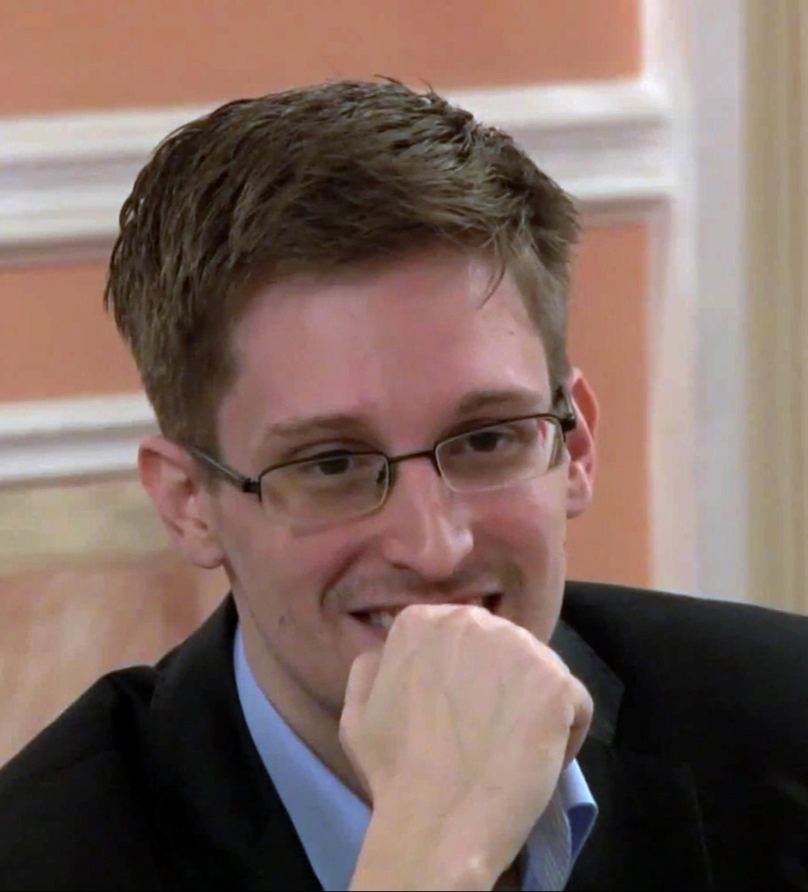 Lawyer: NSA leaker Edward Snowden wants to return home