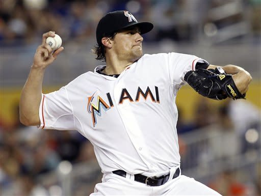 Reyes homers, Eovaldi wins Marlins debut vs. Pads