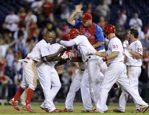 Mayberry's hit lifts Phillies over Reds 4-3 in 11