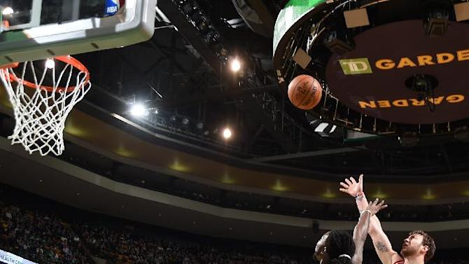 Motiejunas scores 26, Rockets top Celtics for 4th win in row
