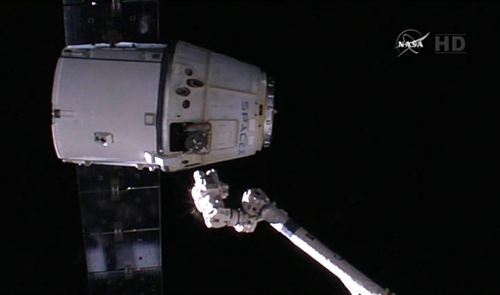 SpaceX to test 'eject-button' for astronauts