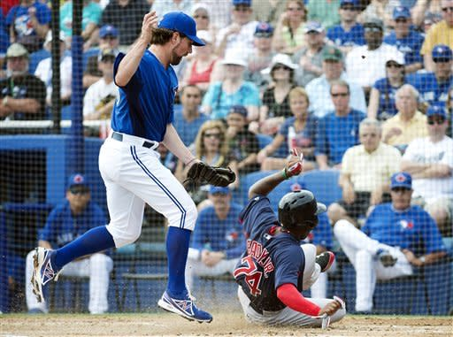 Dickey makes Blue Jays' debut