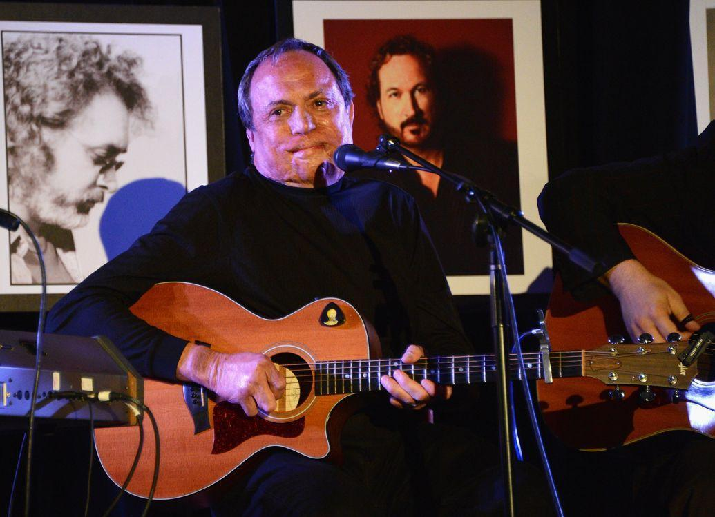 'Three Wooden Crosses' Songwriter Kim Williams Dead at 68