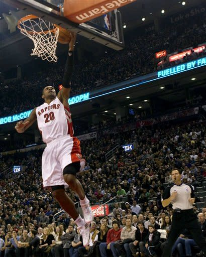 DeRozan scores 25 points as Raptors beat Warriors