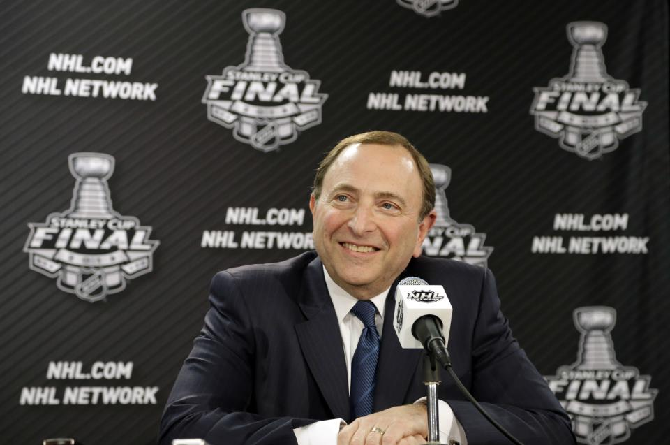 Bettman says NHL still hoping to stay in Phoenix