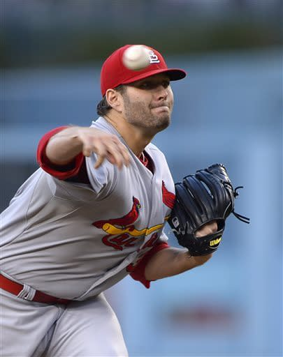 Cardinals beat Dodgers 7-0 behind Lance Lynn