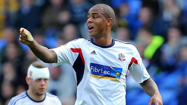 Bolton boss Dougie Freedman gave his backing to defender Zat Knight after his errors