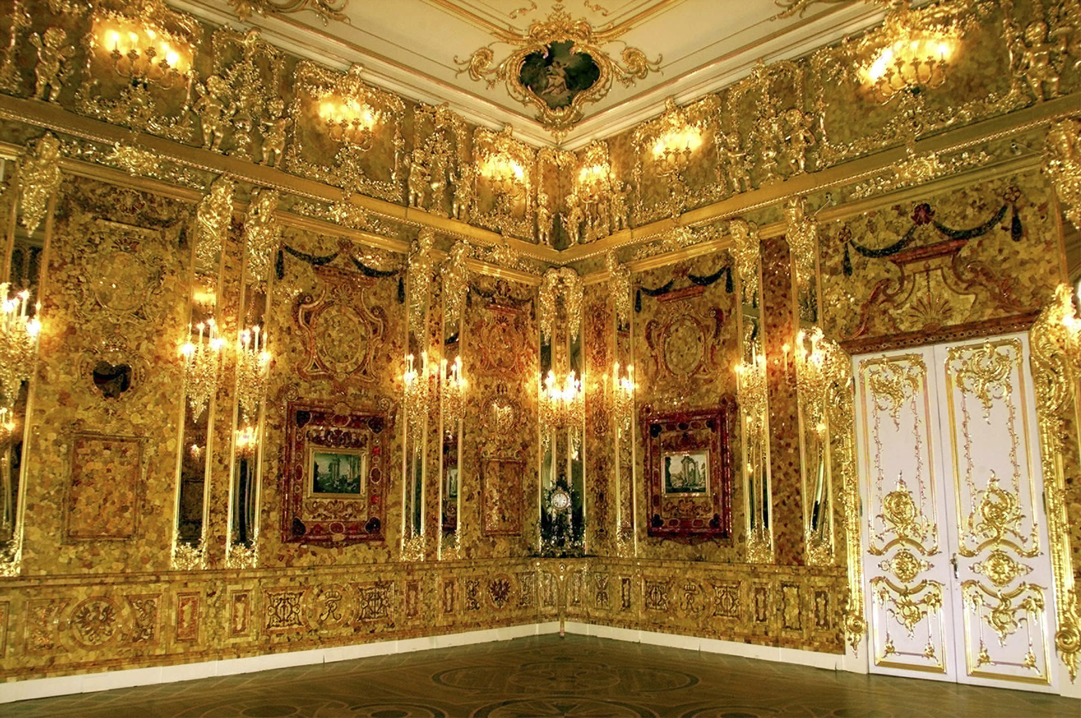 German pensioner needs drill to dig for Nazi-looted Amber Room