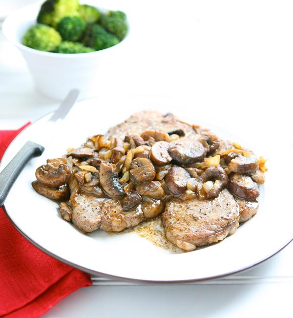 Steak with Mushrooms and Tequilla Sauce