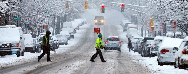 East Coast braces for 'historic' blizzard