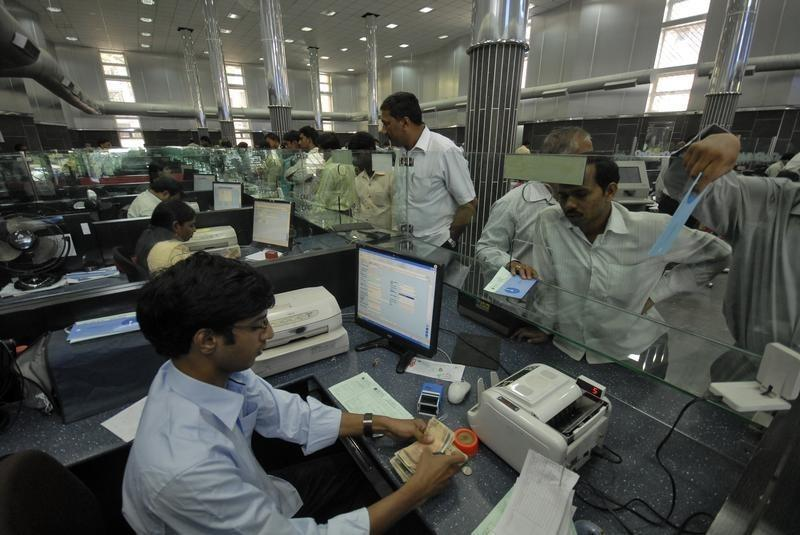 India to inject $1.3 bln to shore up state banks