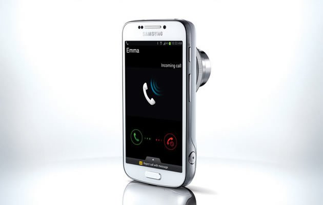 The Samsung GALAXY S4 zzom with LTE hits stores in Singapore. (Samsung Photo)
