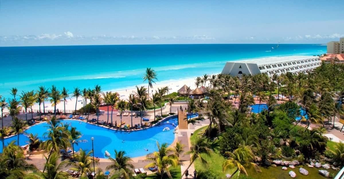 $489 -- Cancun 4-Night All-Inclusive Getaway w/Air