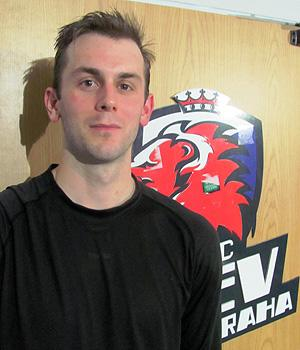 Erik Christensen traded in the NHL's journeyman life for a more stable situation in the KHL (#NickInEurope)
