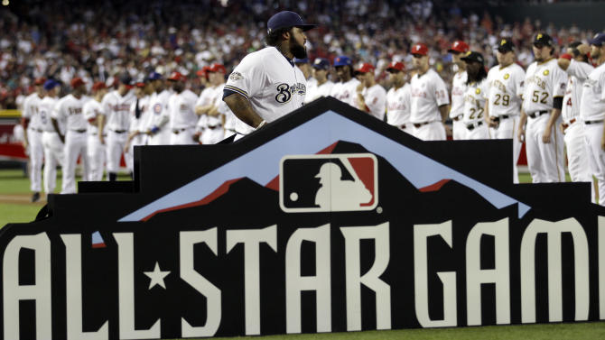 National League's Prince Fielder of the Milwaukee Brewers runs onto the field before the MLB All-Star baseball game Tuesday, July 12, 2011, in Phoenix. (AP Photo/David J. Phillip)