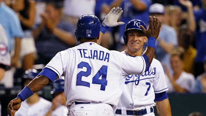 Duffy, bullpen help Royals to 5-2 win over Twins