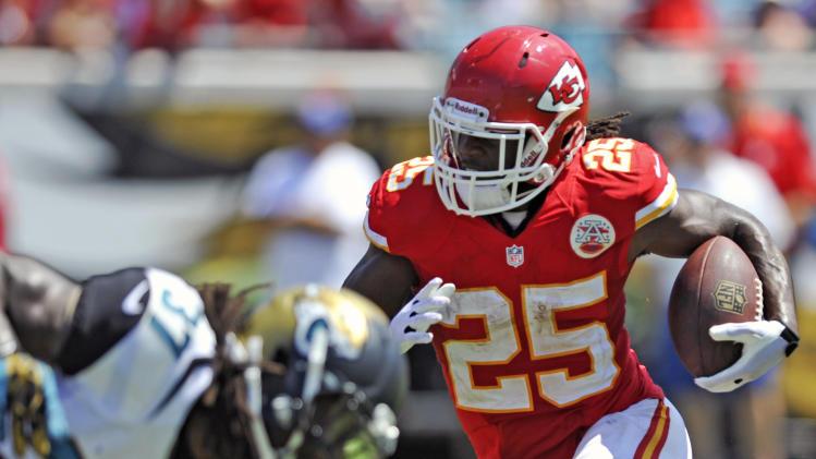 Chiefs' Charles back at practice with bruised quad