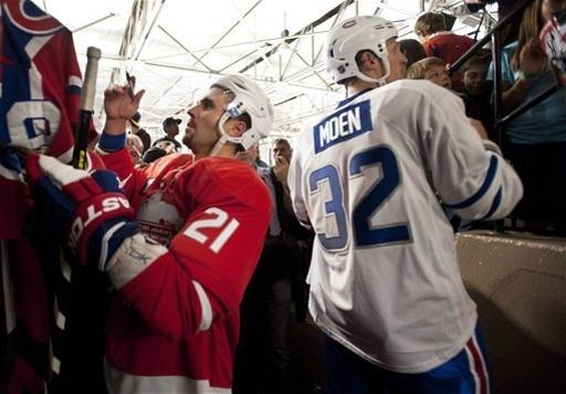 Locked-out NHL players play exhibition game The Associated Press