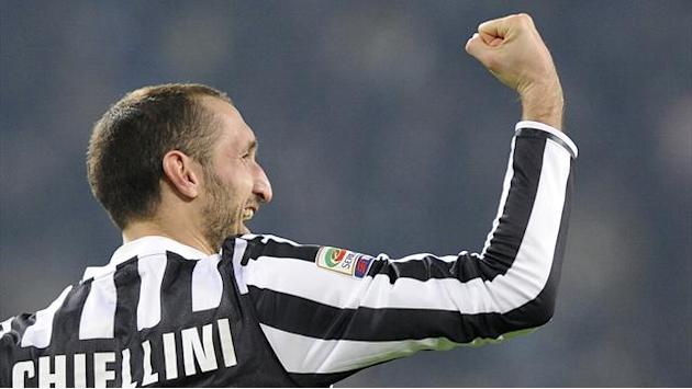 Football - Chiellini returns for Juventus after month out