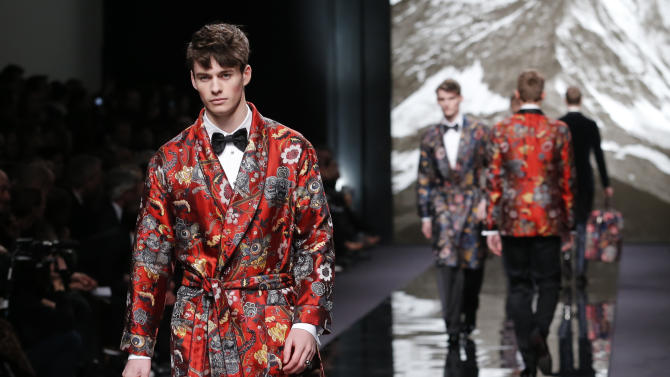 A model presents a creation by British fashion designer Kim Jones for Louis Vuitton's fall-winter 2013/2014 men's fashion collection, presented in Paris, Thursday, Jan.17, 2013. (AP Photo/Jacques Brinon)