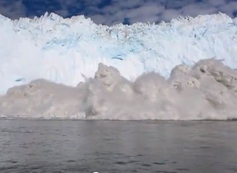 Video Captures Near-Deadly Iceberg 'Tsunami'