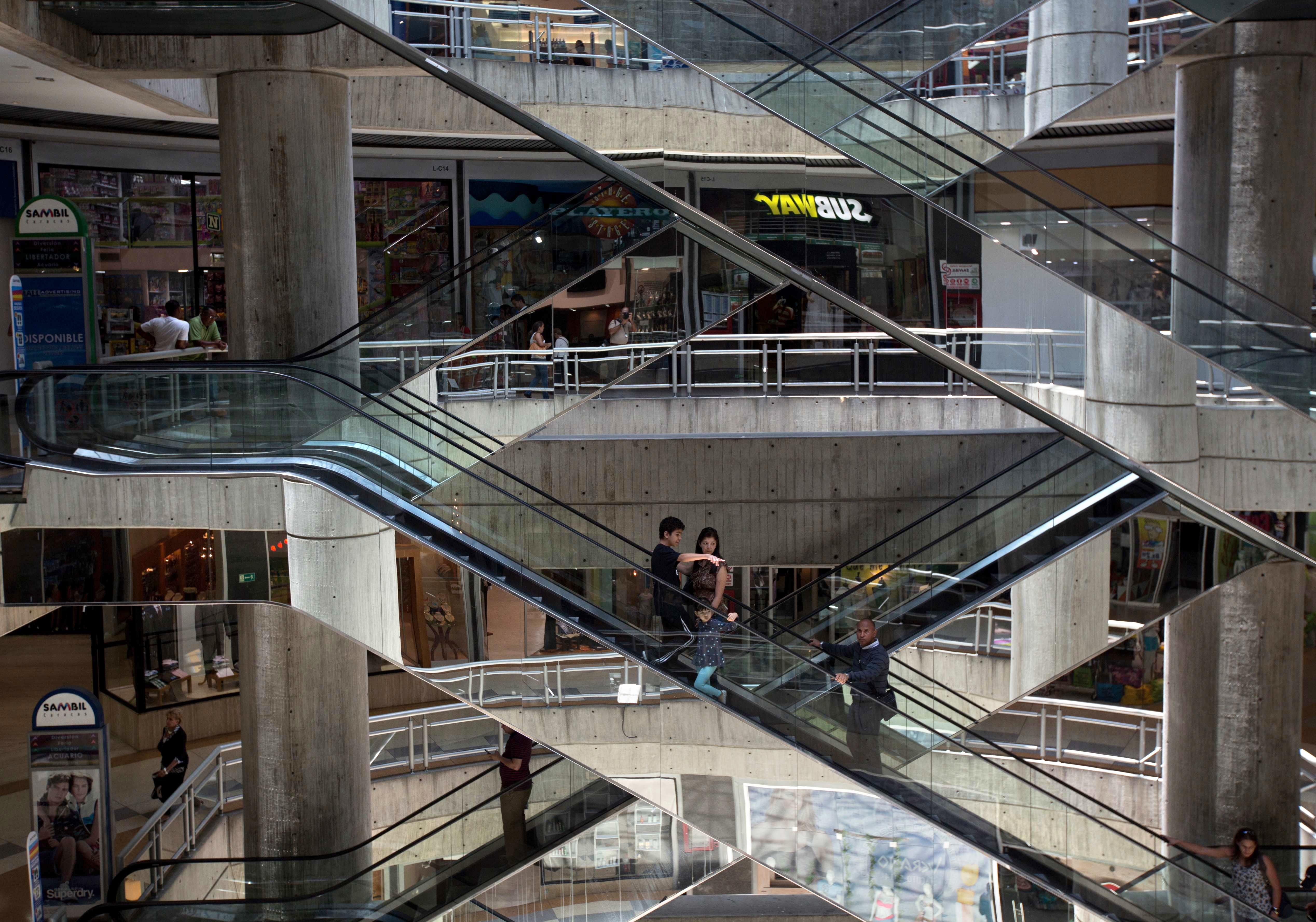 Venezuela malls scale back hours as government cuts energy