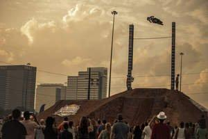 Ronnie Renner Clears 35 Feet at Red Bull Raising the Bar in Atlanta