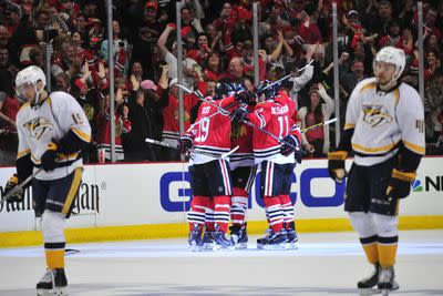 Blackhawks bounce back with 4-2 win over Predators in Game 3