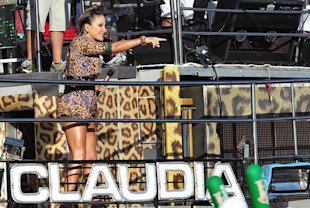 Claudia Leitte no bloco Papa
