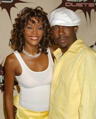 Bobby Brown niega haber iniciado a Whitney Houston en las drogas