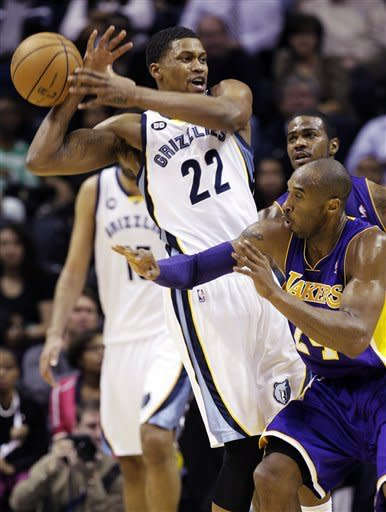 Grizzlies win 106-93, Lakers lose 4th straight