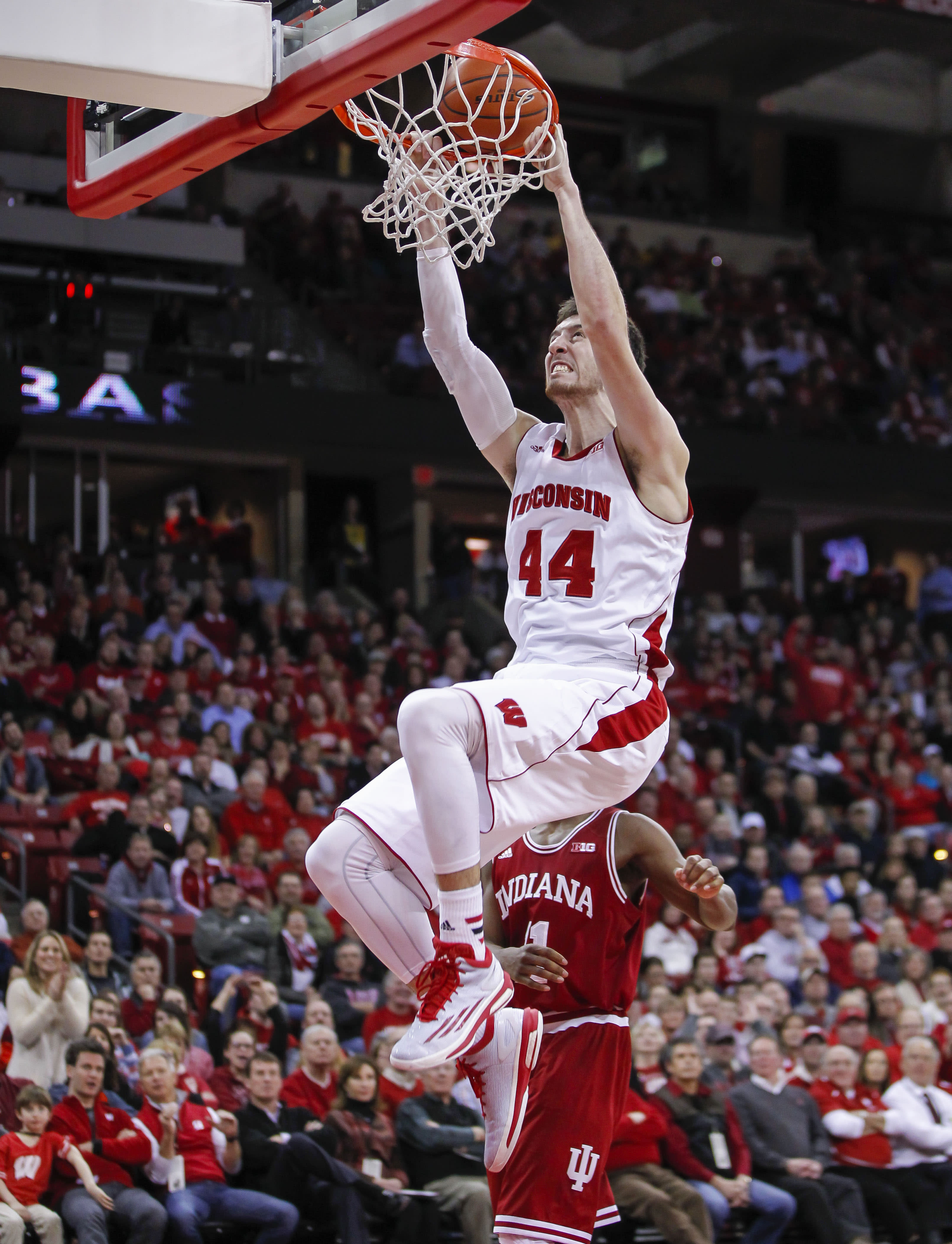 Kaminsky, Okafor lead 2014-15 AP All-America team