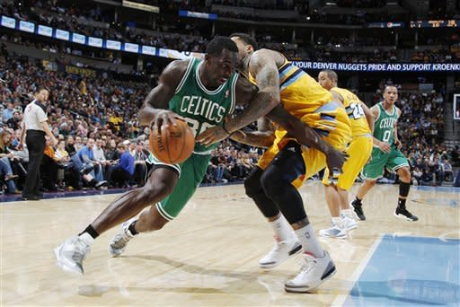 Gallinari, Lawson lead Nuggets past Celtics