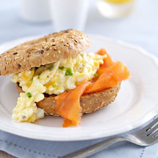 Scrambled Eggs With Smoked Salmon Bagels: Recipe