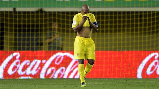 SPAIN, Villareal : Villarreal's midfielder Marcos Senna reacts after during the Spanish league football match Villareal CF vs Atletico Madrid on May 13, 2012 at El Madrigal stadium in Villareal.
