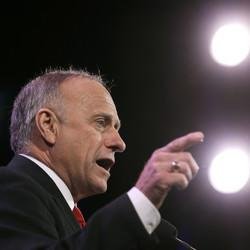 Republican Steve King Is 'Campaigning' For Hillary Clinton