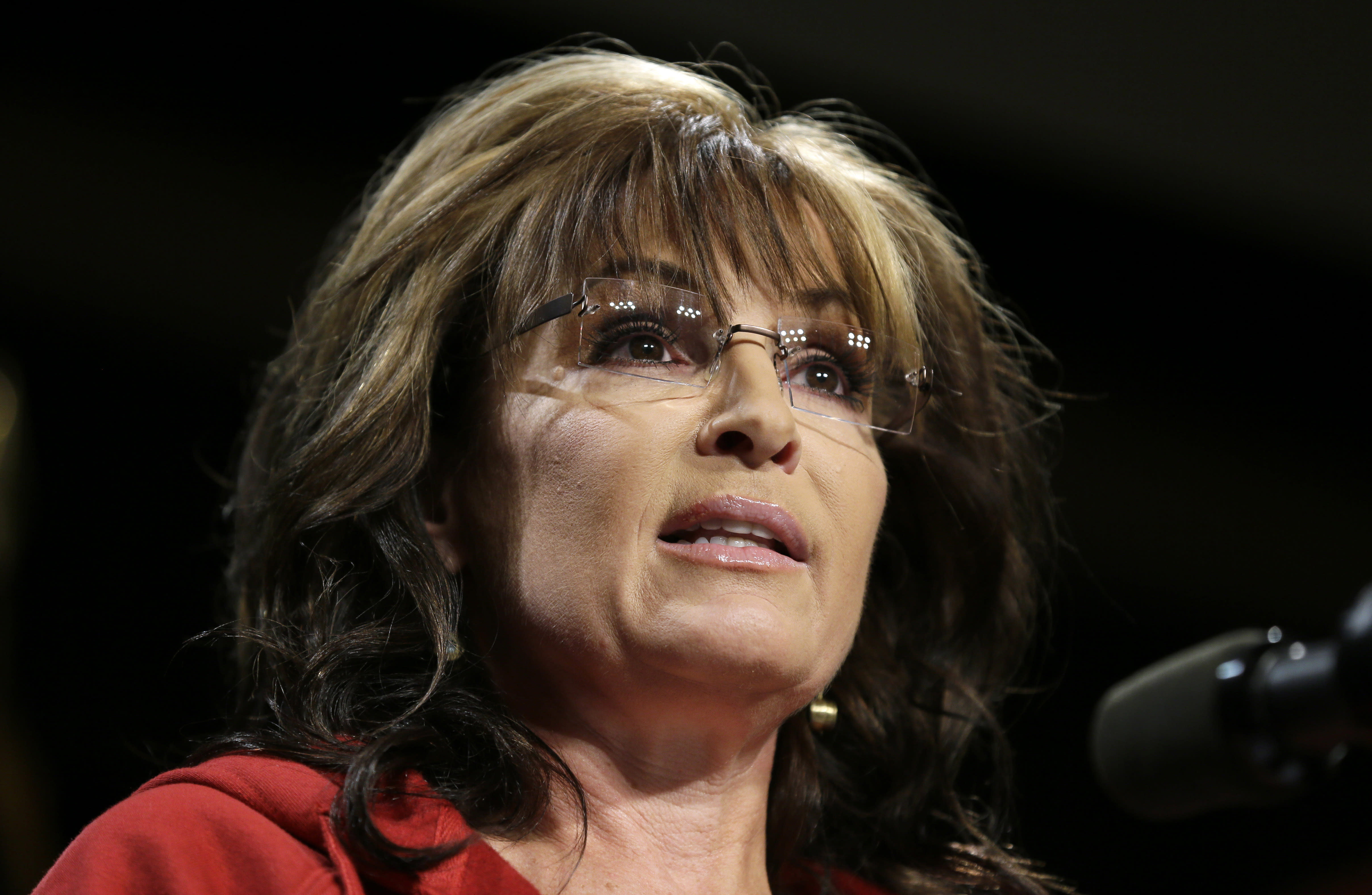 Newspaper lawsuit against Palin stalled over confidentiality