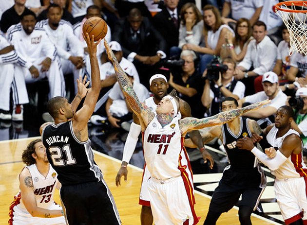James helps Heat stave off elimination in Game 6