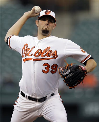 Orioles hit 2 HRs in 3-0 win over Blue Jays