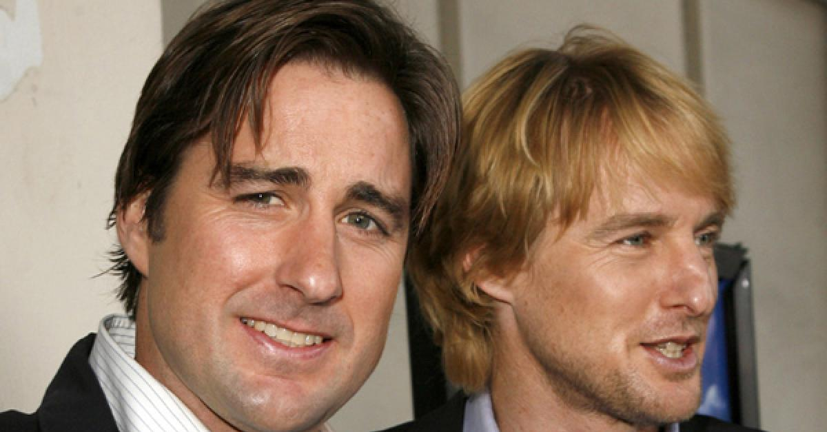 10 Famous Celebrities That Are Related