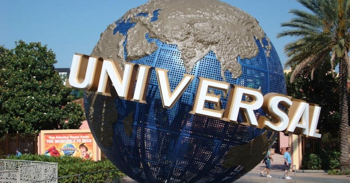 14 Best Theme Parks in the US